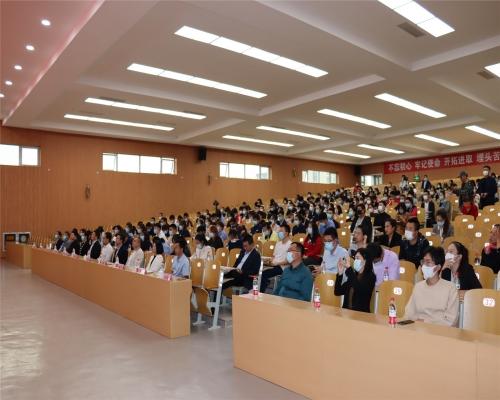 乡村振兴青年大讲堂照片预览